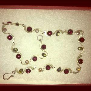 Jewelry - Pearl, garnet, semi-precious green stone necklace